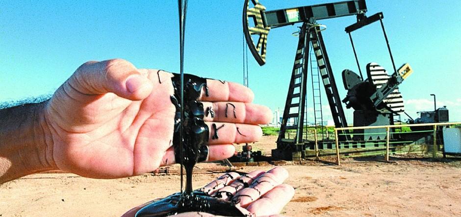 Exploração de petróleo em terra, em Linhares. Crédito:  Carlos Alberto Silva
