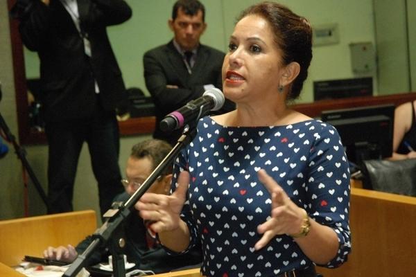 Deputada Janete de Sá (PMN) discursa em sessão na Assembleia Legislativa do ES. Crédito: Reinaldo Carvalho/Ales/Arquivo