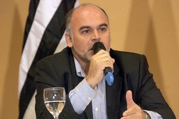 Maurício Assumpção, presidente do Botafogo, reclamou do problema em reunião com a presidente Dilma