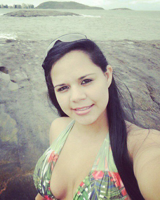"Milena Batista Salles morreu após ser atingida por uma bala perdida nas costas. "" - 10561822_1481092785464540_8788940567793509537_n-1460181"