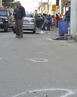 Dois adolescentes são assassinados na volta de baile funk em Vila Velha