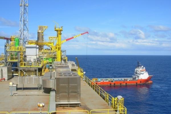 Plataforma da Shell: produção de sete novos poços no Parque das Conchas começa até o fim de 2013 - Editoria: Economia