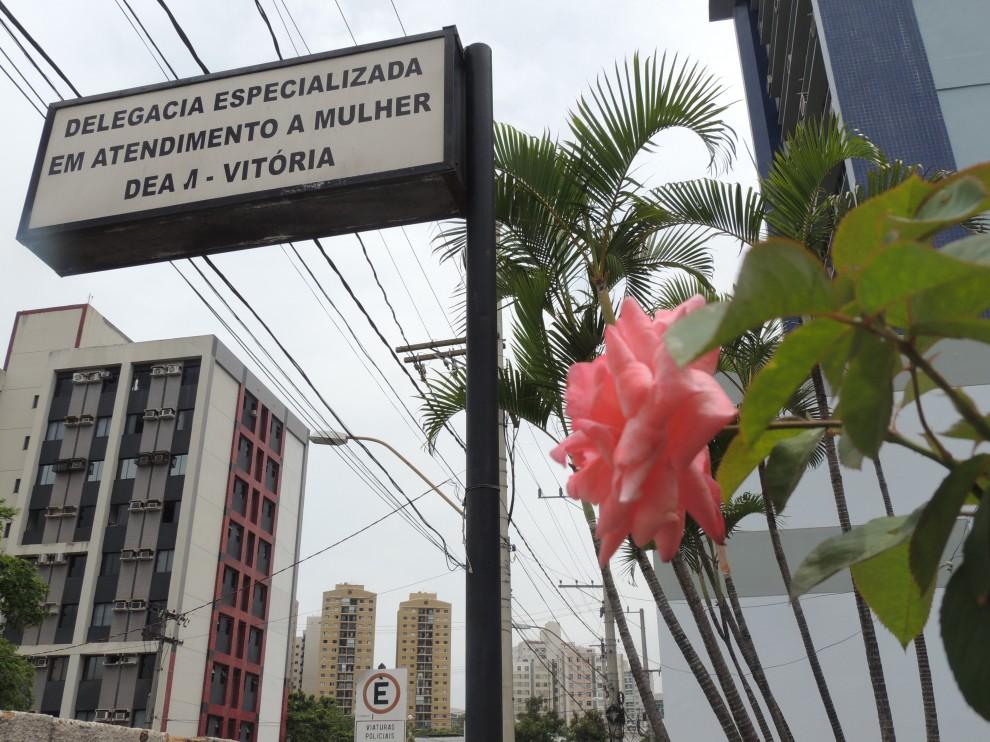 DEAM - Delegacia Especializada de Atendimento à Mulher - Vitória ES. Crédito: Flávia Rodrigues/ Residência