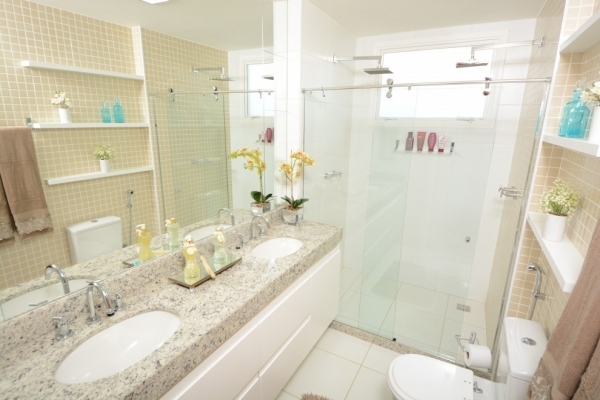 Banheiros ganham toques de sofisticação -> Banheiro Com Chuveiro Na Banheira