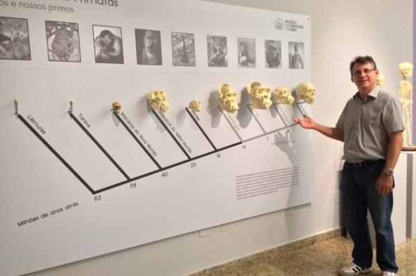 Professor de anatomia da Ufes e curador da exposição, Athelson Bittencourt