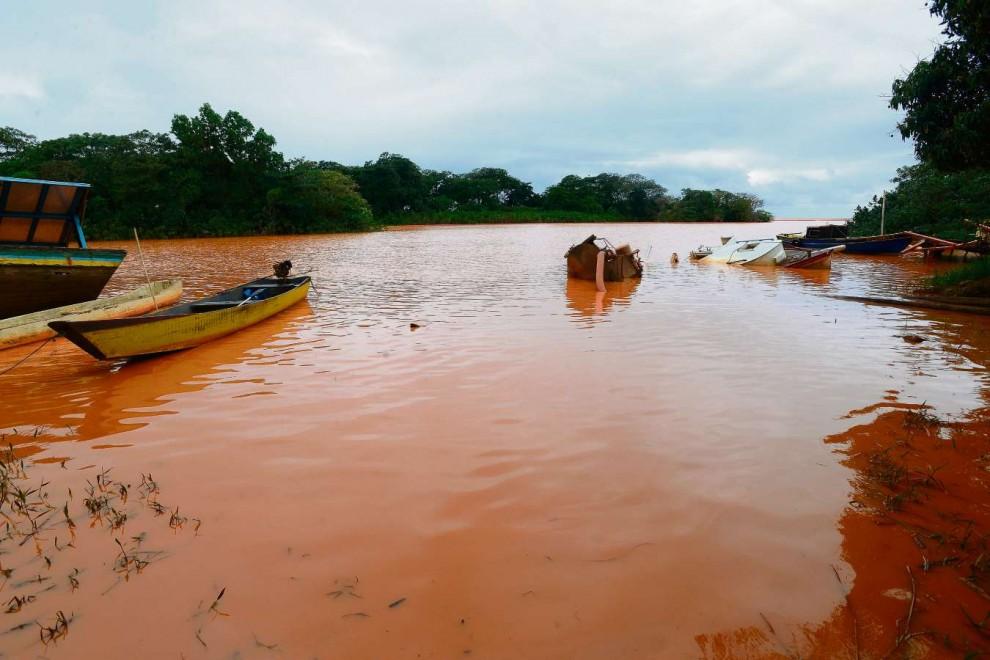 Após a lama tóxica, paisagem do Rio Doce mudou. Crédito:  Bernardo Coutinho