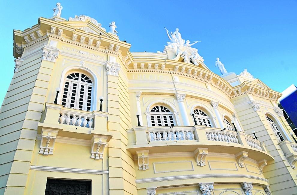 Teatro Carlos Gomes é um dos locais do passeio pelo Centro Histórico de Vitória. Crédito: Gabriel Lordêllo/Arquivo
