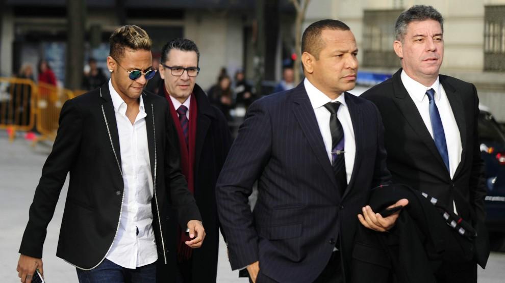 Neymar e o pai. Crédito: Reprodução de internet