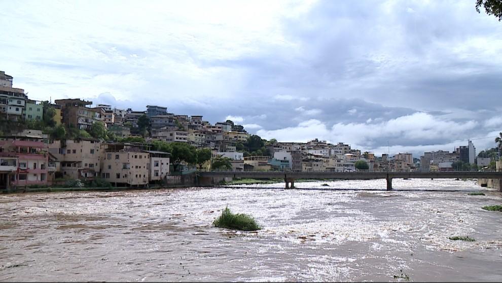 Rio Itapemirim, no município de Cachoeiro de Itapemirim: riscos de afogamento. Crédito: Reprodução/TV Gazeta Sul