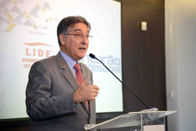 Fernando Pimentel, governador de Minas Gerais, lidera mobilização. Crédito: Alessandro Carvalho/ Facebook Fernando Pimentel