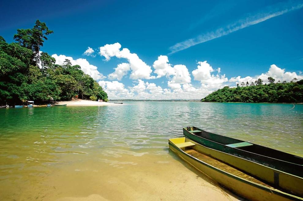 Lagoa Juparanã, em Linhares: o relevo nesses locais merece bastante atenção. Crédito: Sagrilo/Arquivo