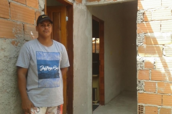 Alex Rodrigues de Aguiar, 23 anos, está desempregado
