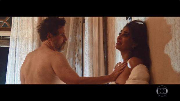 Nudez de Juliana Paes rouba a cena na web