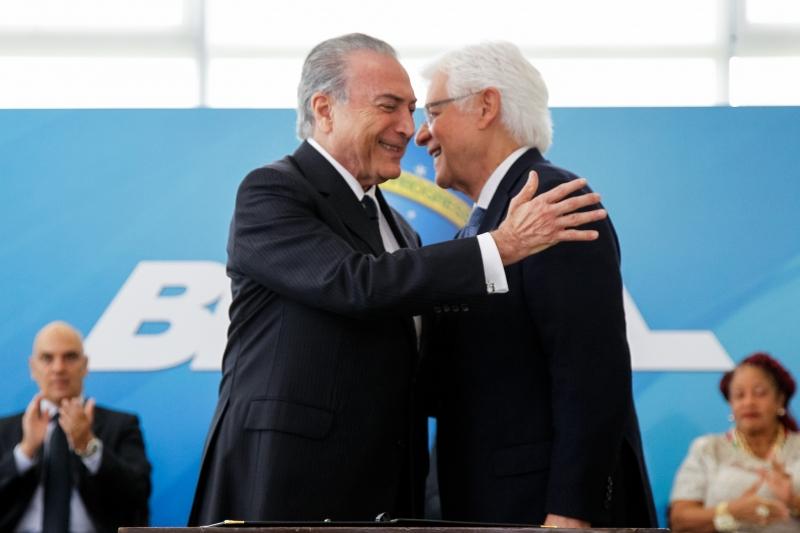 Moreira Franco vai assumir o Ministério de Minas e Energia, confirma Temer