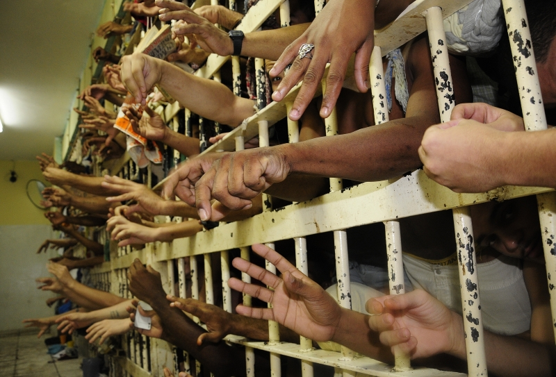 Segundo o governo de Goiás houve uma tentativa de invasão de presos da ala C nas alas A B e D do estabelecimento penal mas a confusão foi controlada sem mortos nem feridos