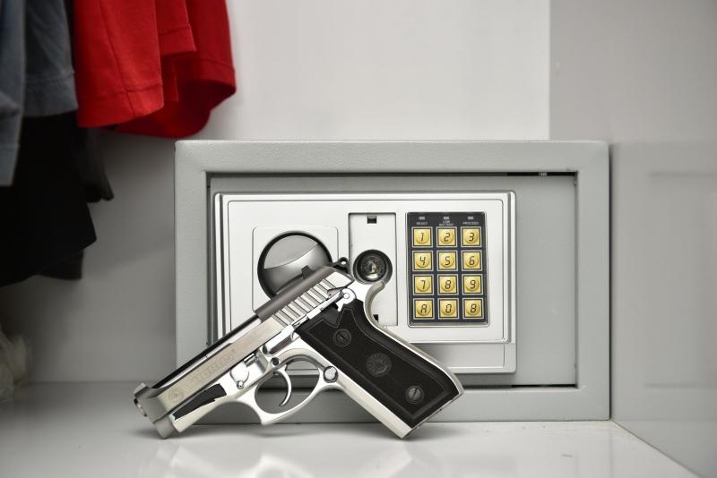 Resultado de imagem para cofre para guardar arma de fogo