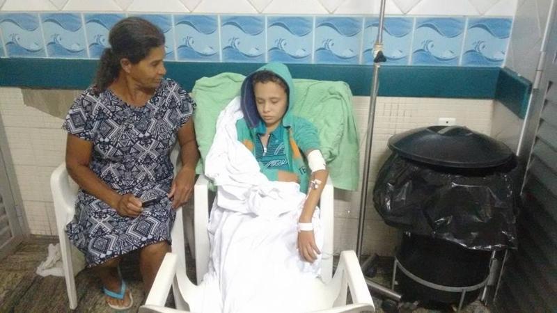Resultado de imagem para Morre menino com câncer atendido ao lado do lixo no Hospital Infantil de Vitória
