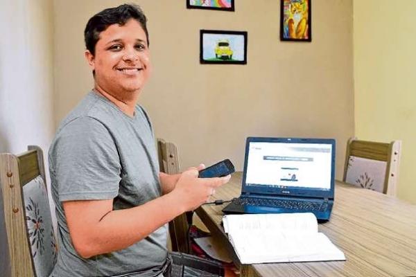 Ítalo faz curso à distância on-line de Técnico em Informática do Senac e pretente voltar a atuar na área