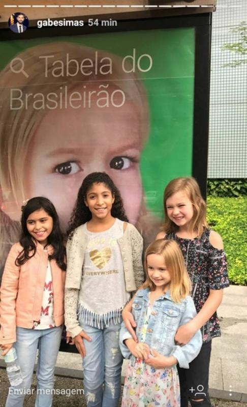 Chloe chega ao Brasil e se encontra com Giovanna 'do