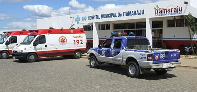 Bizarro! Homem é internado com mandioca no ânus em Itamaraju | A Gazeta