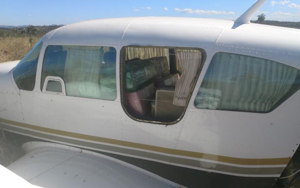 Resultado de imagem para FAB intercepta avião que saiu de MT com 500 quilos de cocaína