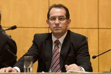 Paulo Roberto, secretário-chefe da Casa Civil de Hartung, defende aliança com PTB no lugar do apoio a Rose. Crédito: Reinaldo Carvalho/ALES