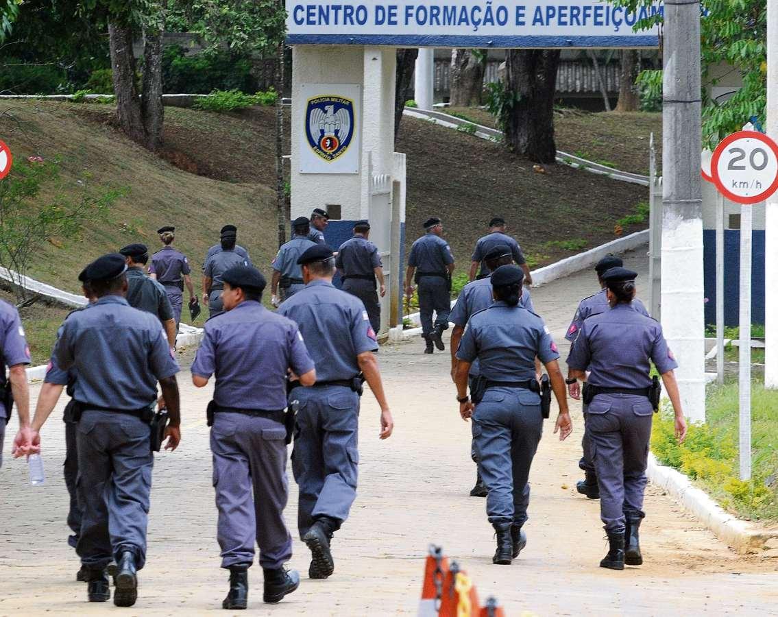 Formação de soldados da PM passa de seis meses para dois anos no ES -  Cidades - Gazeta Online 3cb102197b2