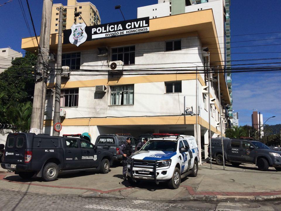 DHPP, em Vitória. Caso de mulher baleada será investigado . Crédito: Kaique Dias   Rádio CBN
