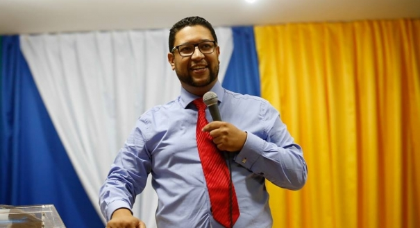 Pastor Ericsson Roza Soares foi assassinado dentro do apartamento em que morava, na Praia da Costa, Vila Velha