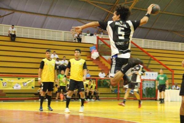 O Brasileiro Escolar de Handebol acontece em Guarapari
