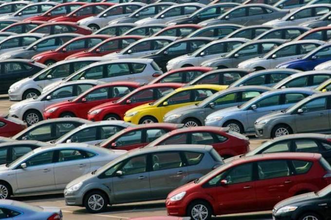 CARROS: previsão é que produção e venda de automóveis tenha voltado a subir após dois anos . Crédito: Divulgação