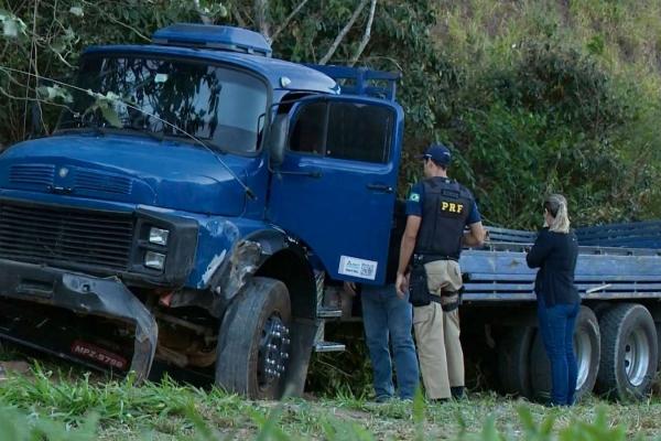 Segundo o secretário de Segurança, a carreta não poderia transportar carga de granito
