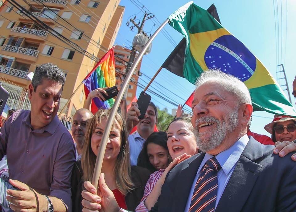Jornal espanhol corrige declaração de Lula com crítica a Dilma