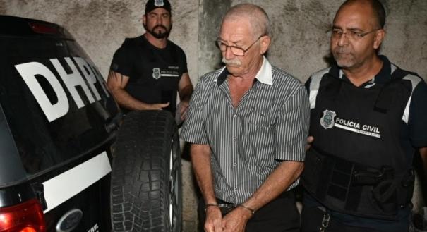 Esperidião Carlos Frasson, ex-sogro da médica Milena Gottardi, chegando ao DML