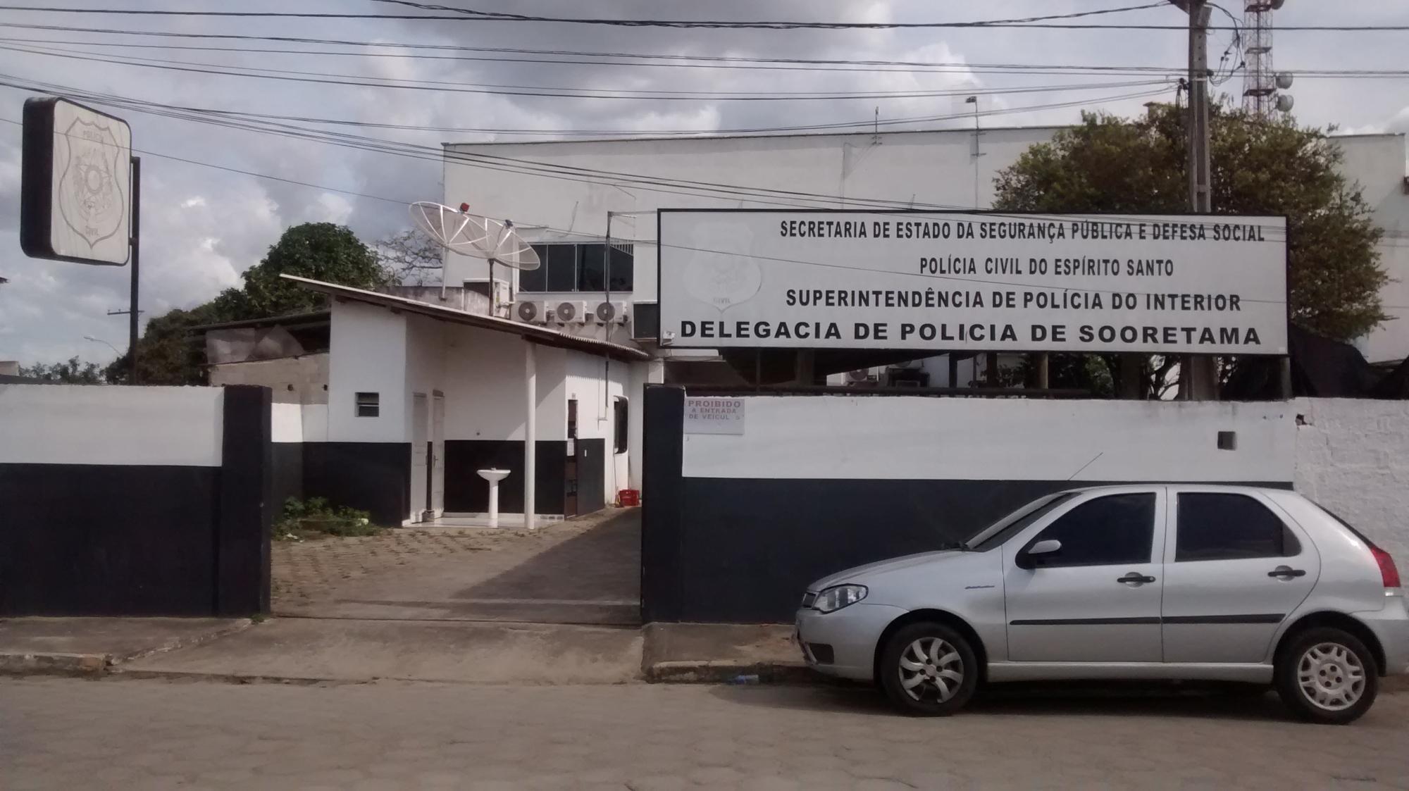 Entrada da delegacia de Sooretama, onde caso é investigado. Crédito: Loreta Fagionato
