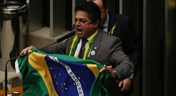 Deputado João Rodrigues durante processo de impeachment de Dilma Rousseff