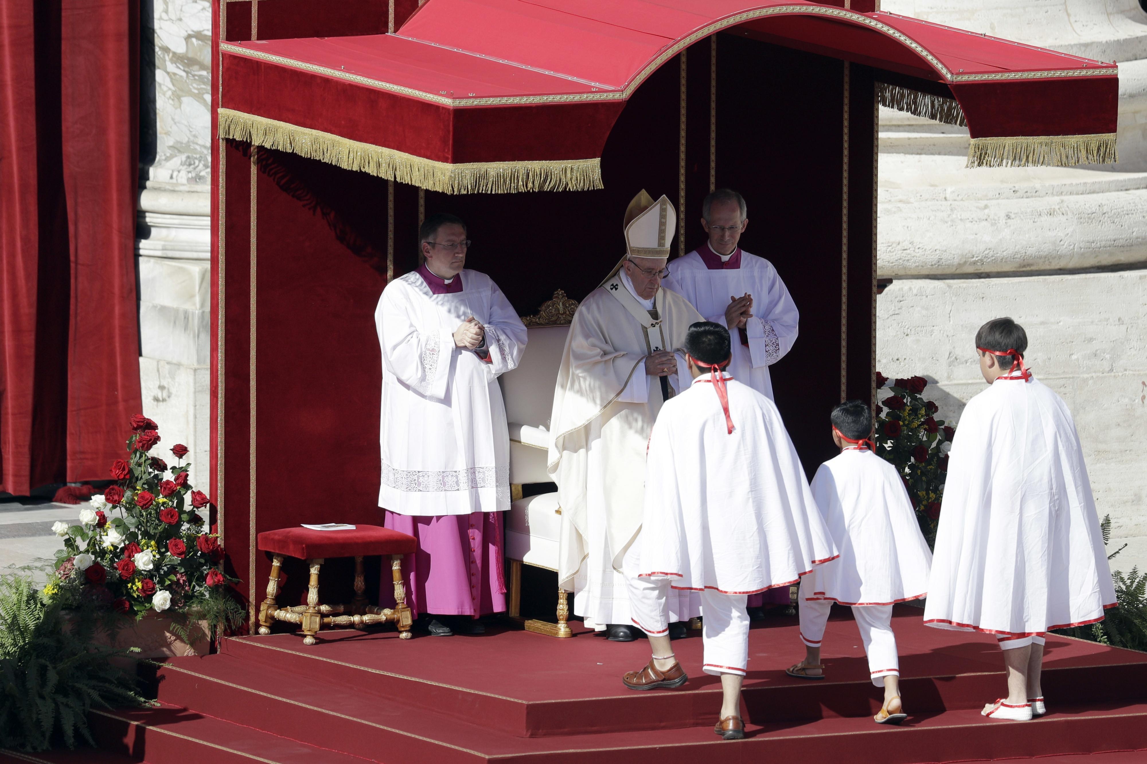 Sem Temer, papa canoniza primeiros santos mártires do Brasil neste domingo
