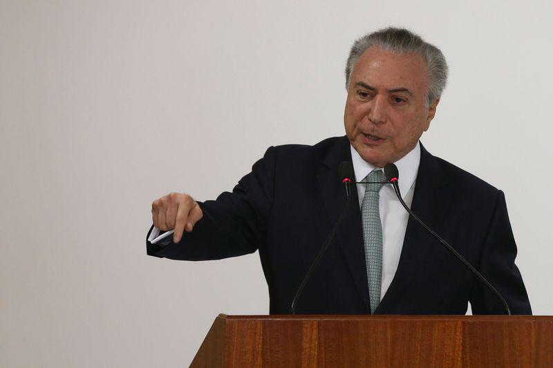 Temer viaja a São Paulo para fazer exames médicos