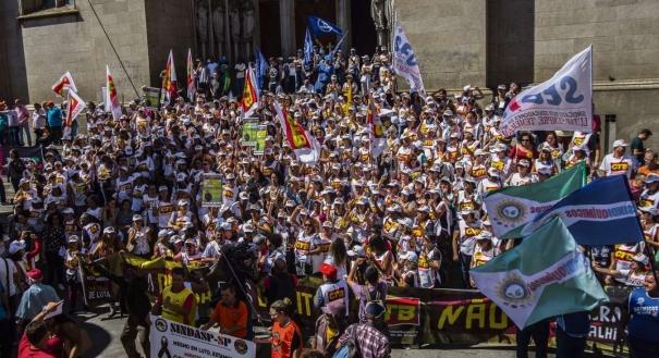 Protestos contra a reforma, como o de São Paulo,  aconteceram por todo o país
