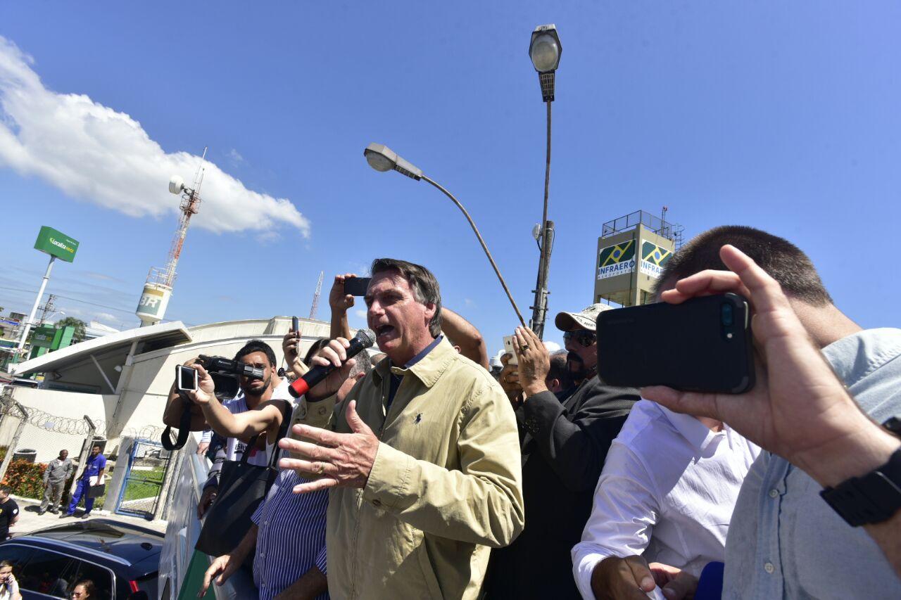 Bolsonaro disse que não pretende se licenciar do mandato de deputado federal. Crédito: Marcelo Prest