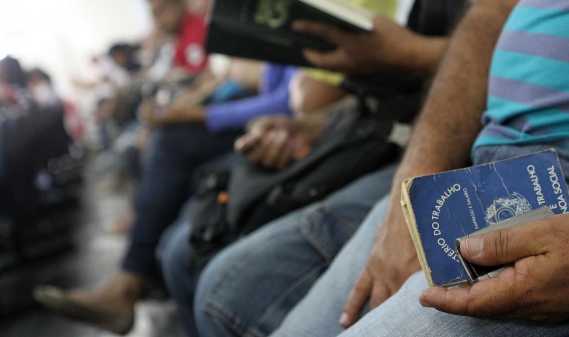 Desemprego no Brasil cresce e chega à maior taxa da história