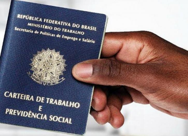 Brasil ganhou 811 mil postos de trabalho em um trimestre, aponta IBGE