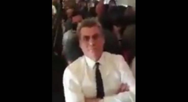 Senador Romero Jucá discute com passageira durante voo