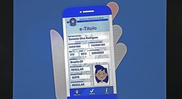 O presidente do Tribunal Superior Eleitoral, Gilmar Mendes, lança o aplicativo Título Eletrônico, em solenidade no TSE