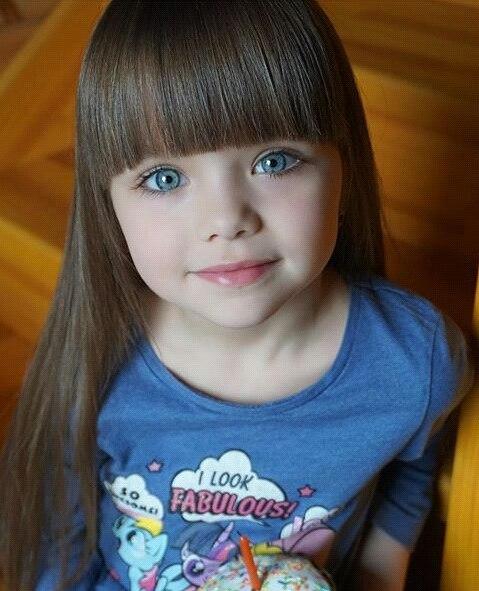 Com 6 Anos Modelo Russa é Chamada De Criança Mais Bonita