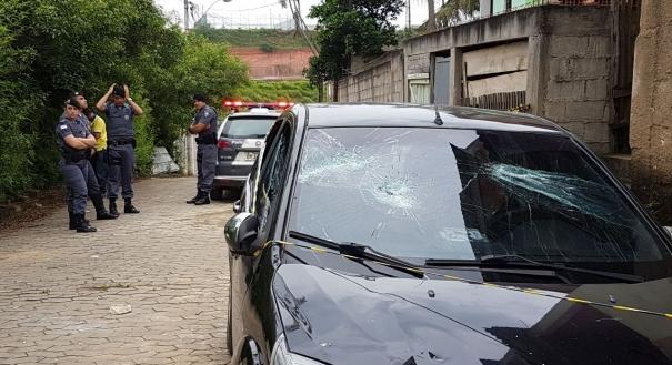 Carro de acusado de matar travesti em Viana foi quebrado