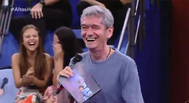 Resposta da plateia deixa Serginho Groisman desconcertado no 'Altas Horas'
