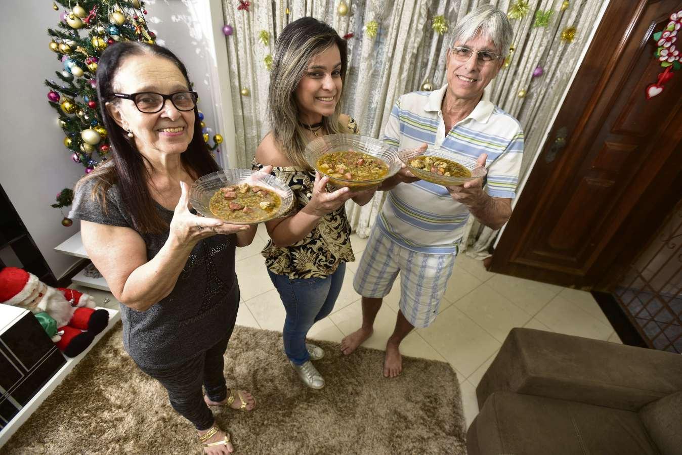 A lentilha preparada por Sionésia Maria Sarti Sessa é tradição na família 9e0875fe41f67