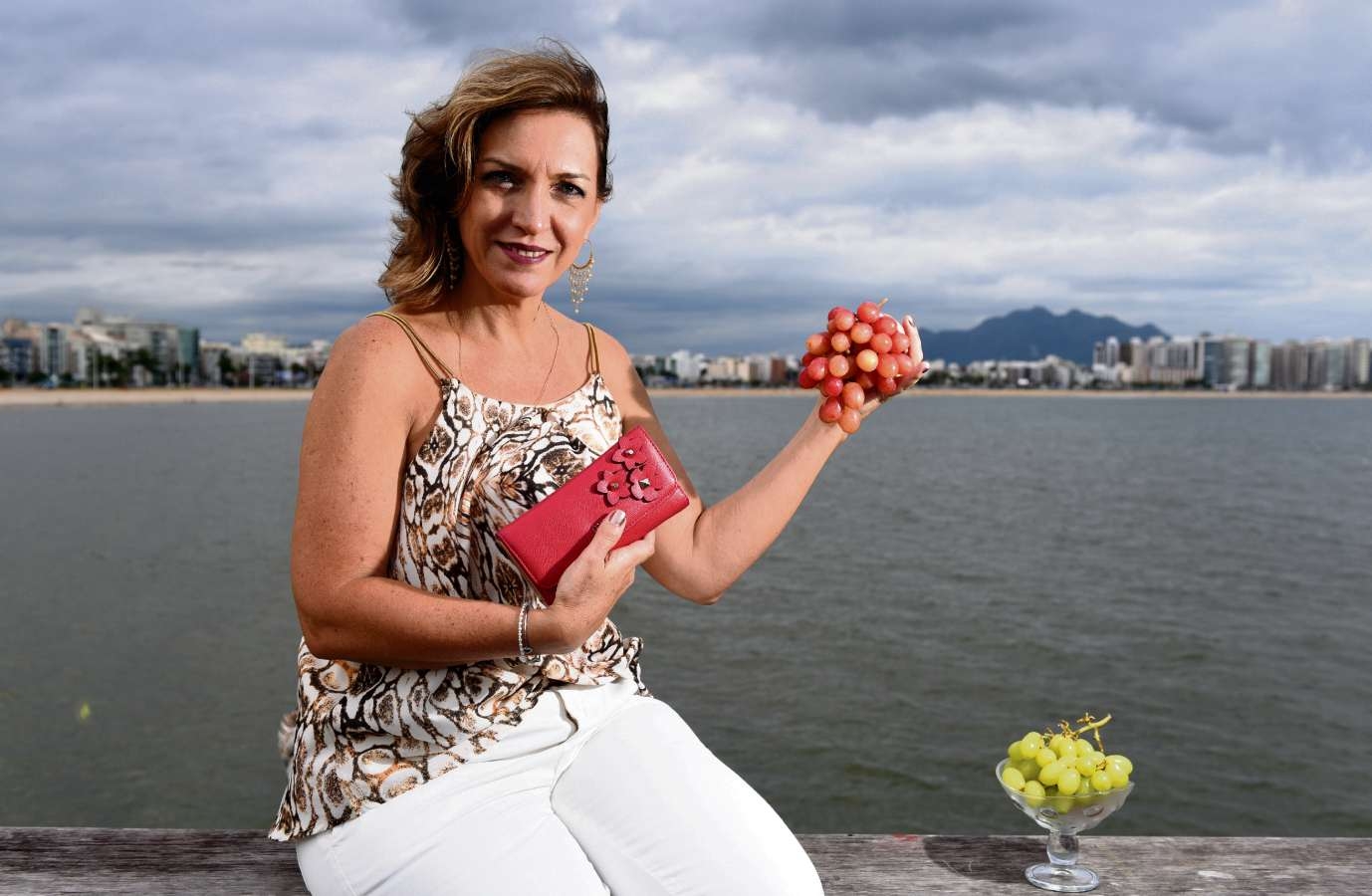 A arquiteta Daniela guarda caroços de uva para trazer fortuna. Ela diz que  não tem a2f878558b53e