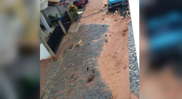 Chuva deixou estragos em São Roque do Canaã. Crédito: Gazeta Online